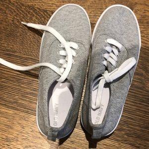 NWOT Old Navy sneakers